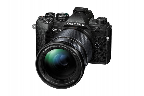Olympus E-M5 mk. III 12-200mm Kit Sort
